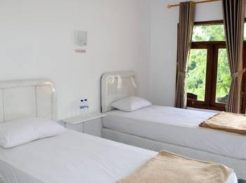 Azana Green Resort Pracimantoro Solo - Superior Room Regular Plan