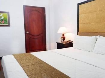 Safirna Transito Hotel Ternate - Deluxe Double Room Regular Plan
