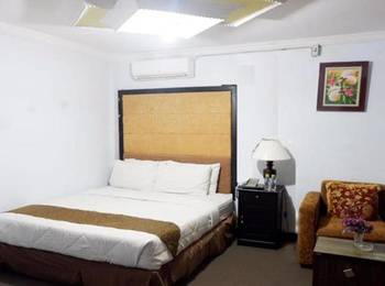 Safirna Transito Hotel Ternate - Suite Room Regular Plan