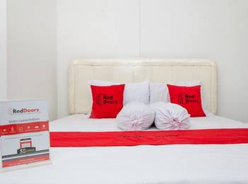 RedDoorz near Telkom Corporate University Bandung - RedDoorz Room Exclusive Promotion