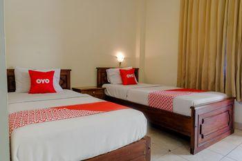 OYO 1803 Hotel Sarangan Permai Madiun - Standard Twin Room Last Minute