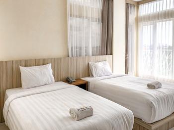 De Malang Sweet Homestay Syariah Malang - Twin Room Kurma Deal