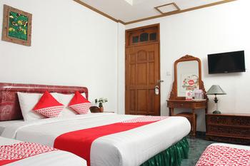 OYO 392 hotel mawar saron Yogyakarta - Suite Triple Regular Plan