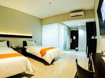 Alpha Hotel Pekanbaru - Super Executive Twin Room Only Regular Plan