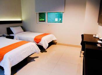 Alpha Hotel Pekanbaru - Deluxe Twin Room Regular Plan