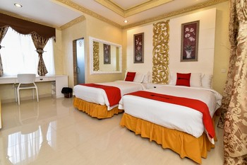 RedDoorz Plus near Discovery Shopping Mall Bali Bali - RedDoorz Premium Twin Room Last Minute Deal