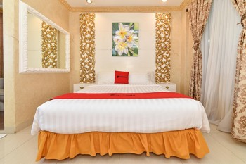 RedDoorz Plus near Discovery Shopping Mall Bali Bali - RedDoorz Room Regular Plan