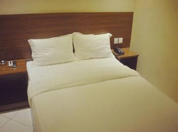 Hotel Mustika Tanah Abang Jakarta - Standard Double Room No Windows Regular Plan