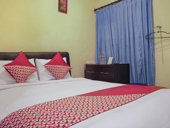 OYO 1416 Dewata Ayu Inn Kupang - Standard Double Room Regular Plan