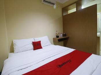 RedDoorz near ITC Cempaka Mas Jakarta - RedDoorz Room Last Minute Deal