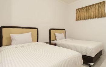 Titipapan Residence Medan - Deluxe Twin Room Regular Plan