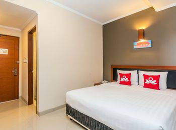 ZenRooms Sanur Tamblingan Bali - Double Room Only Special Promo