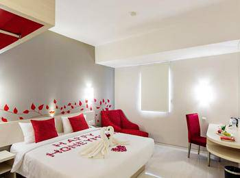 @Hom Hotel Kudus - Deluxe Room Regular Plan