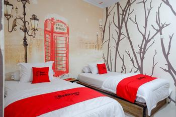 RedDoorz Syariah near Universitas Negeri Gorontalo 2 Kota Gorontalo - RedDoorz Twin Room Basic Deal