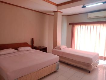 New Pacific Hotel Bandar Lampung - Family Deluxe - Room Only Regular Plan