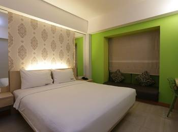 RedDoorz @Sunset Road Kuta Bali - RedDoorz Room Regular Plan