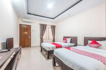 OYO 1667 Wisma Lux Barkah Jakarta - Standard Twin Room Regular Plan