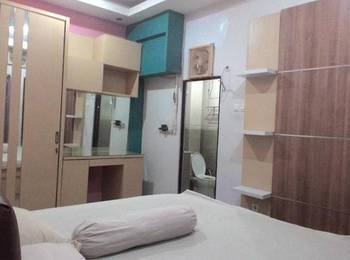 Family Guest House Baratajaya 48 Surabaya - Standard Room Regular Plan