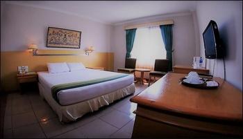 Zamrud Hotel & Convention Cirebon - Deluxe Queen Special Deals