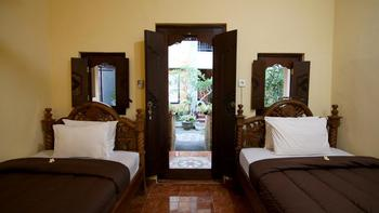 Ayye Bungalows Bali - Std TWN Bungalow B'fast NR Basic Deal
