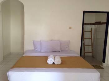 Linda Beach Resort Bali - Standard Room With Fan Regular Plan