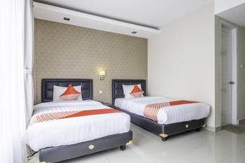 Capital O 2239 Hotel Endah Parahyangan Bandung - Deluxe Twin Room Regular Plan