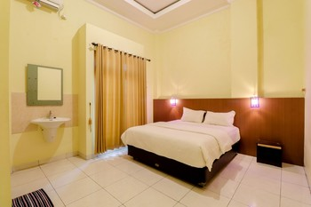 Pondok Tamsis Yogyakarta - Deluxe Double Room Only NR Last Minute Deal 25%