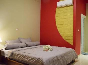 Panda Hostel Lombok - King Suite Regular Plan