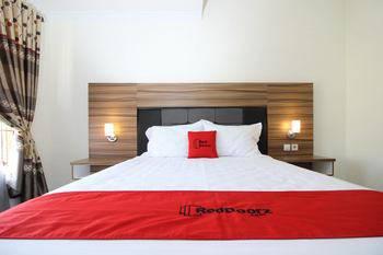 RedDoorz near UGM 3 Yogyakarta - RedDoorz Room with Breakfast Regular Plan