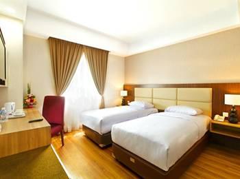 Orchardz Hotel Bandara Tangerang - Superior Twin With Breakfast Regular Plan