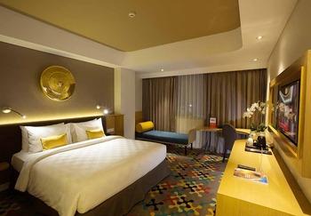 Hotel Ciputra Cibubur -  Deluxe Queen Room Only Regular Plan