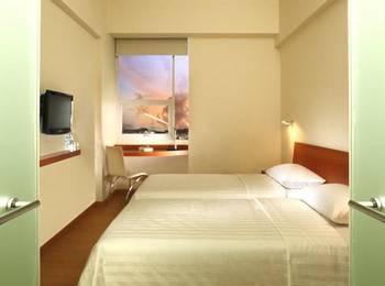 Whiz Hotel Yogyakarta - Whiz Twin  Regular Plan