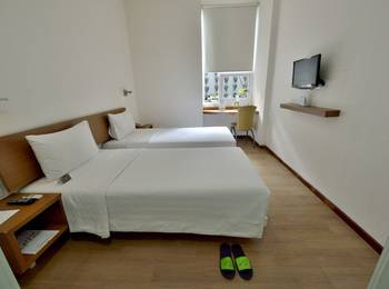 Whiz Hotel Malioboro Yogyakarta - Whiz Twin - room only Regular Plan