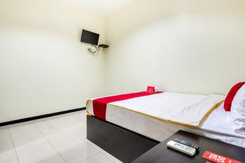 RedDoorz Syariah @ Ketintang Surabaya Surabaya - RedDoorz Room with Breakfast Regular Plan