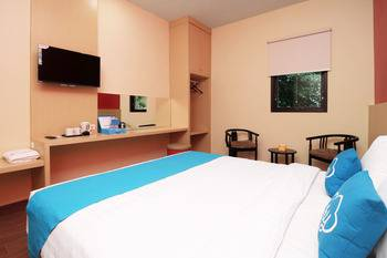 Airy Syariah Kejuron Mangga 4 Madiun - Suite Double with Breakfast Regular Plan