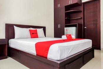 RedDoorz @ Pura Demak Marlboro Bali - RedDoorz Room with Breakfast Regular Plan