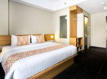 Maple Hotel Grogol Jakarta - Deluxe Room Breakfast Regular Plan