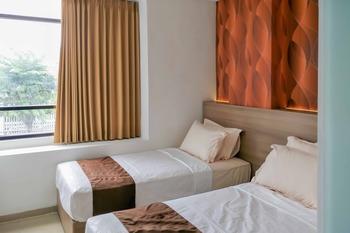 RedDoorz @ Kupang Indah Surabaya Surabaya - RedDoorz Twin Room Best Deal