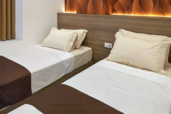 RedDoorz @ Kupang Indah Surabaya Surabaya - RedDoorz Twin Room with Breakfast Regular Plan