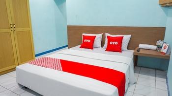 OYO 2088 Grha Blue Sky Syariah Bandung - Deluxe Double Room Regular Plan