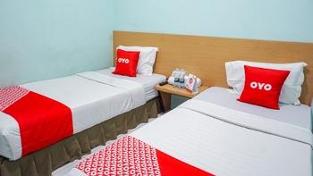 OYO 2088 Grha Blue Sky Syariah Bandung - Deluxe Twin Room Regular Plan