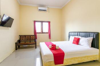 RedDoorz near Prambanan Temple Klaten - RedDoorz Premium Room KETUPAT