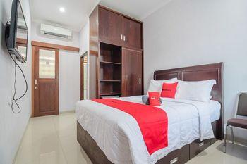 RedDoorz Syariah near Sepinggan Airport Balikpapan Balikpapan - RedDoorz Room Regular Plan