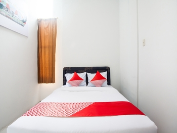 OYO 2538 Hotel Anugerah Deli Serdang - Standard Double Room Big Deals