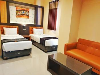 Hotel Mukti Jaya Banyumas - Deluxe Twin Regular Plan