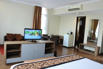 Anugrah Hotel Sukabumi - Anugrah Suite Room - Free Minibar (2 Pax Breakfast) Regular Plan