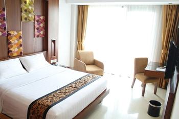 Anugrah Hotel Sukabumi - Deluxe Hollywood Room Regular Plan