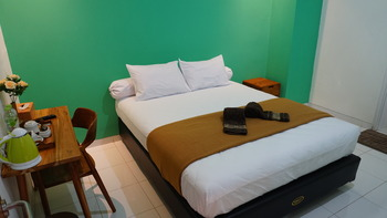 The Cabin Tugu Hostel Yogyakarta - Big AC Private Bathroom last minute periode 2