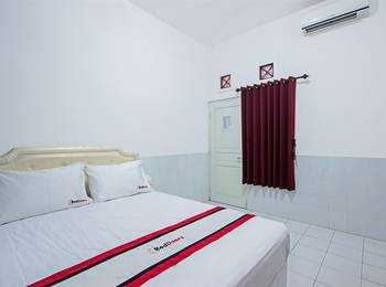 RedDoorz near Gejayan Jalan Tantular - RedDoorz Limited Sale Regular Plan