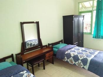 Pitta Guest House Malang - Standard Room Regular Plan